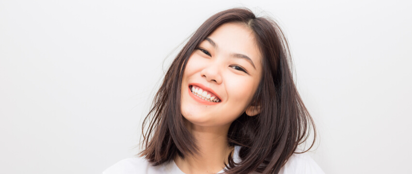 Dental Implants or Veneers – Which Is Right for Me?